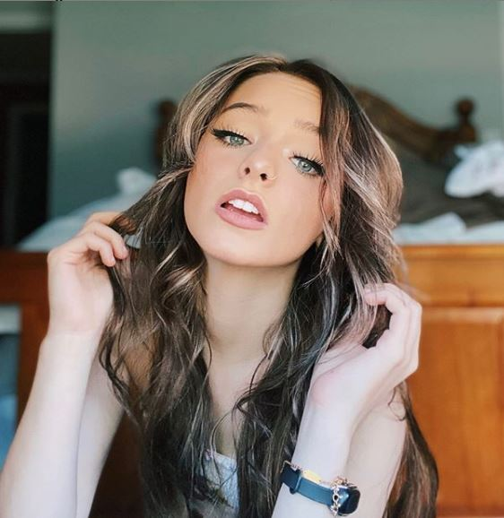 Zoe Laverne Phone Number, Email ID, Address, Fanmail, Tiktok and More