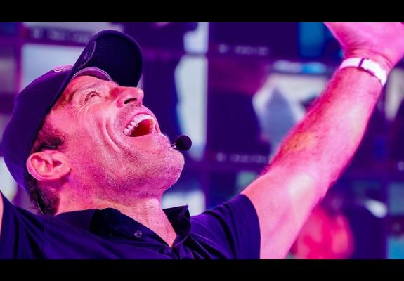 Tony Robbins Phone Number, Email ID, Address, Fanmail, Tiktok and More
